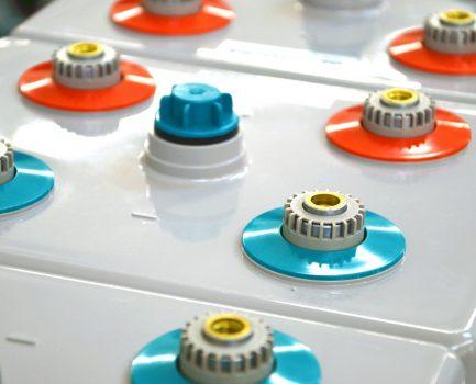Hinweise für den Umgang mit Batteriespeichern bei Wasserschäden