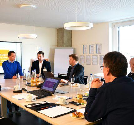 Energieeffizienz im Fokus: Unternehmensnetzwerk RENi trifft sich zum digitalen Austausch