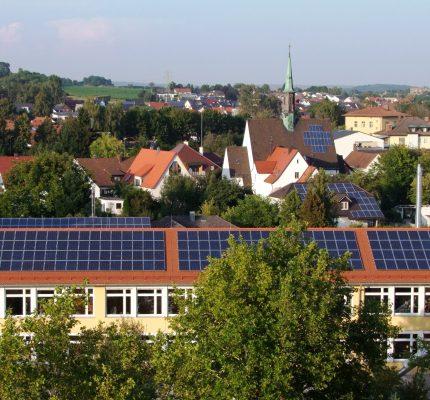 """Neues Handbuch """"Klima- und Naturschutz Hand in Hand"""""""