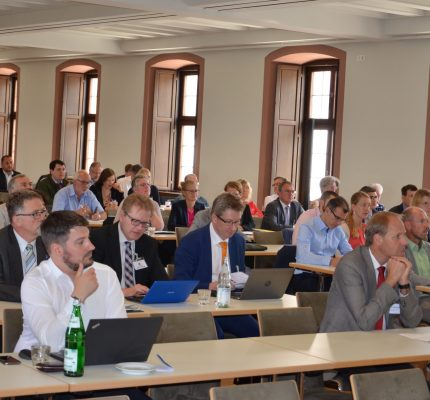 Erfolgreiches C.A.R.M.E.N.-Symposium in Würzburg