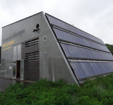 Solarthermie und Holzenergie im Wärmenetz