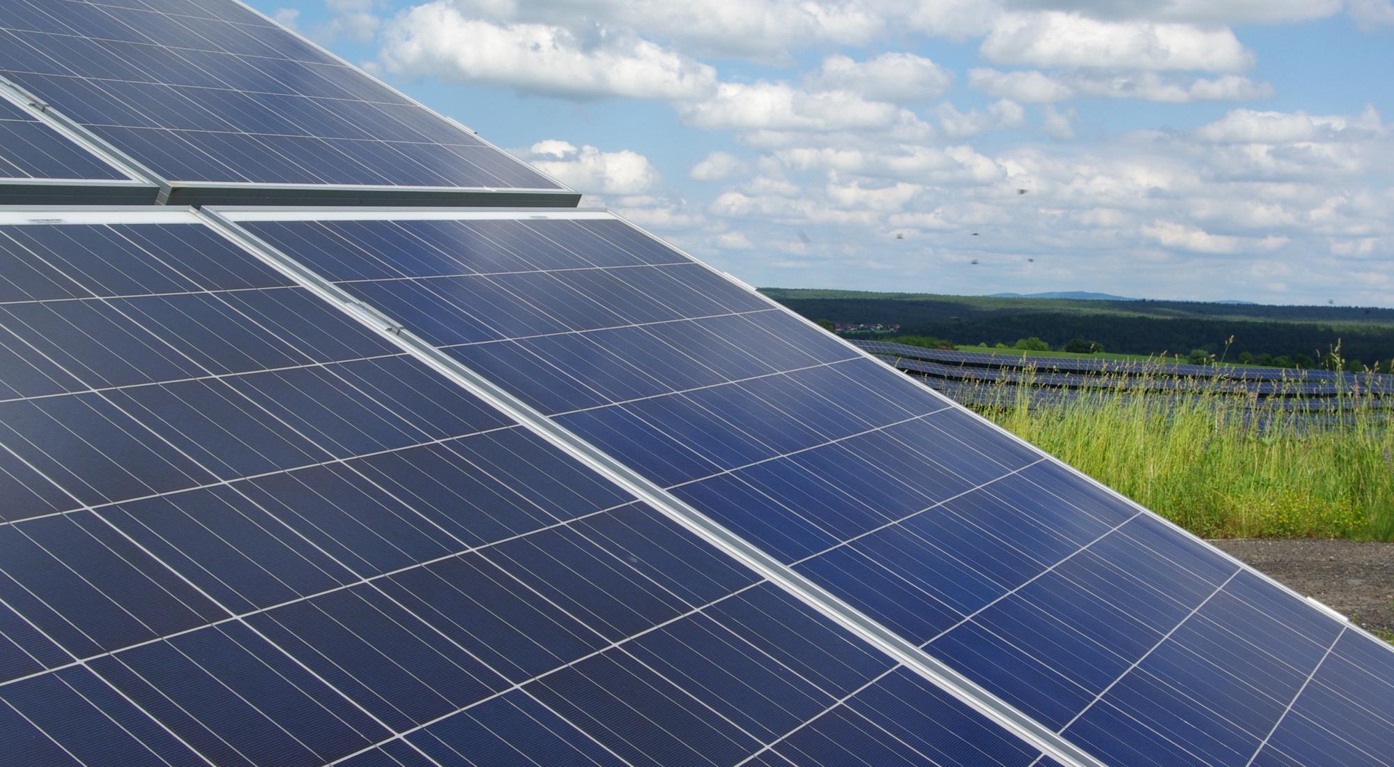 Studie des Fraunhofer ISE: Stromerzeugung mittels Erneuerbaren Energien wird immer günstiger