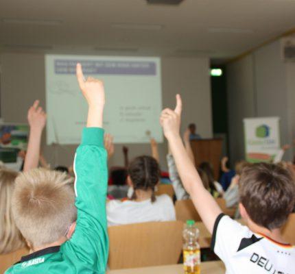 Auch im Homeschooling präsent – C.A.R.M.E.N. e.V. informiert Schulklassen