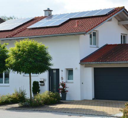 Nachhaltig heizen mit Erneuerbaren Energien – in zwei WebSeminaren informieren